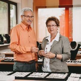Goldschmiede Schmuck Manufaktur Enzkreis Goldschmiedewerkstatt Juwelier Pforzheim Goldschmiedekurs Pforzheim Köhle & Wild Kollegen